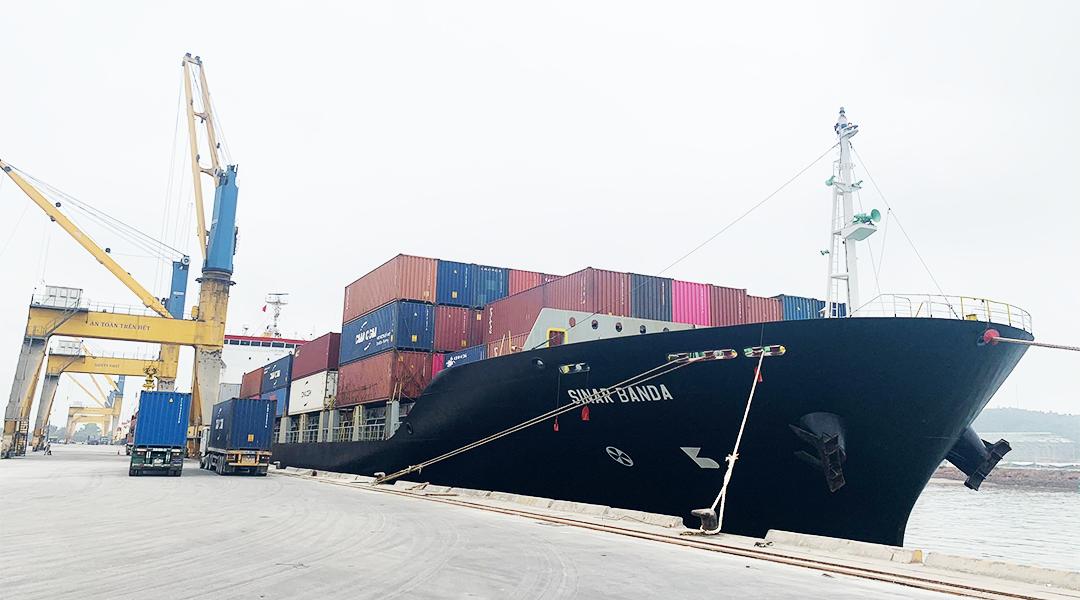 Ảnh 1 - Dịch vụ cảng - Xếp dỡ container